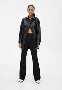 PULL&BEAR - Spodnie materiałowe - black - 1