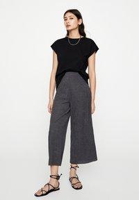 PULL&BEAR - Pantaloni - dark grey - 1