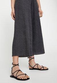 PULL&BEAR - Pantaloni - dark grey - 4