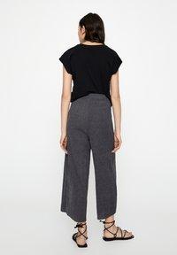 PULL&BEAR - Pantaloni - dark grey - 2