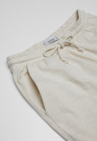 PULL&BEAR - Tracksuit bottoms - beige - 2
