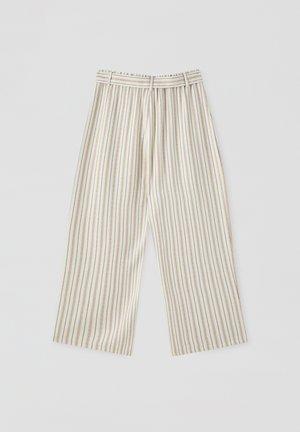 MIT STREIFEN IM RUSTIKALEN STIL - Trousers - beige
