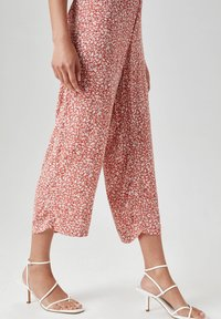 PULL&BEAR - Trousers - light red - 4
