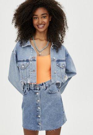 MIT KNÖPFEN  - Spódnica jeansowa - blue
