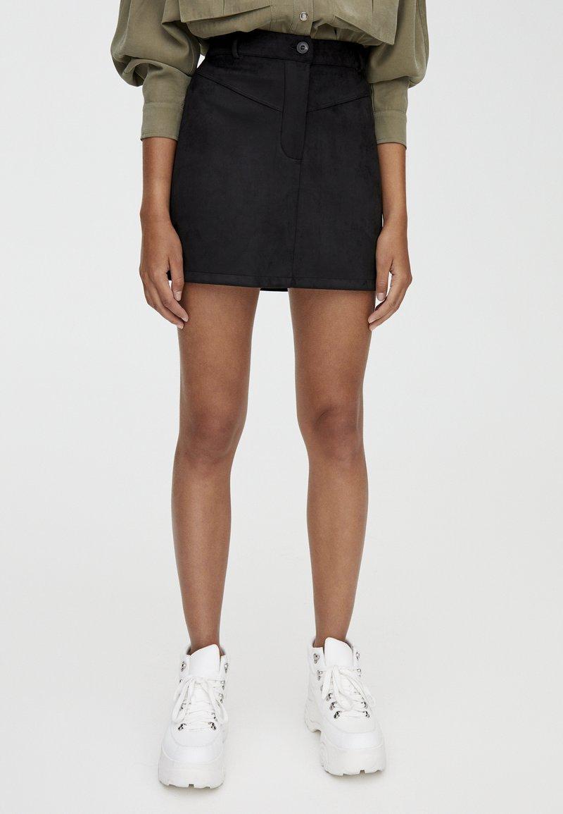 PULL&BEAR - MIT PASSE  - Áčková sukně - black