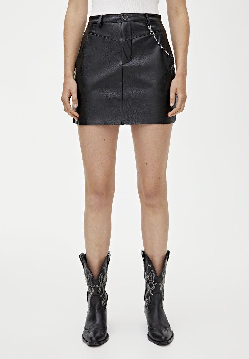 PULL&BEAR - Spódnica mini - black