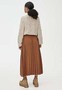 PULL&BEAR - PLISSIERTER - A-line skirt - brown - 2