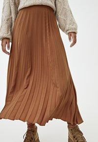 PULL&BEAR - PLISSIERTER - A-line skirt - brown - 4