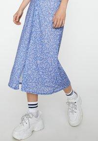 PULL&BEAR - Pleated skirt - blue - 4