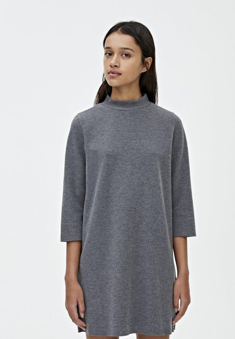 PULL&BEAR - Robe pull - dark grey