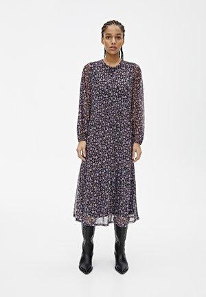 GEBLÜMTES KURZARMKLEID 05391319 - Korte jurk - mottled purple
