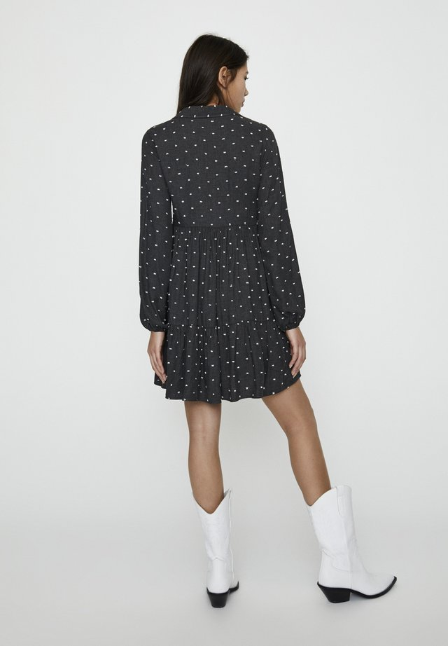 KLEID MIT SCHLEIFEN AN DEN ÄRMELN 05391327 - Korte jurk - mottled light grey