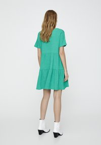 PULL&BEAR - IN WICKELOPTIK - Denní šaty - mottled dark green - 2