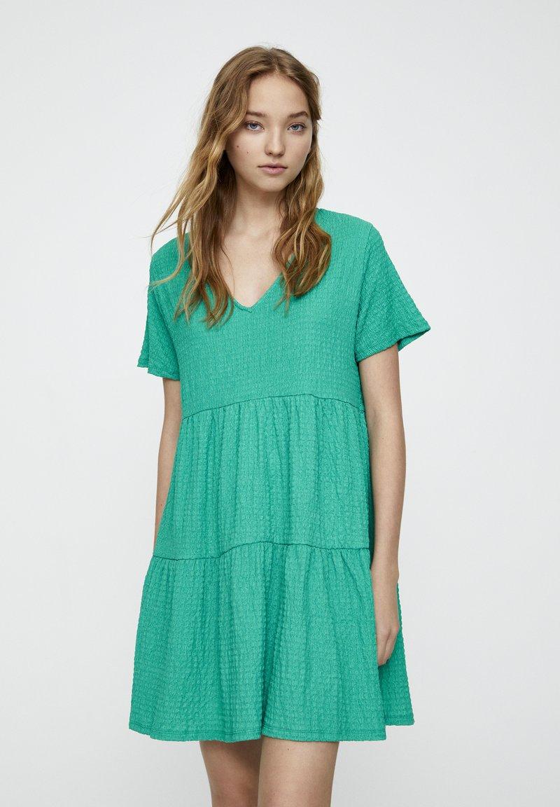 PULL&BEAR - IN WICKELOPTIK - Denní šaty - mottled dark green