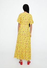 PULL&BEAR - Maxi-jurk - mustard yellow - 2