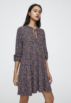 MIT GÜRTEL  - Day dress - mottled black