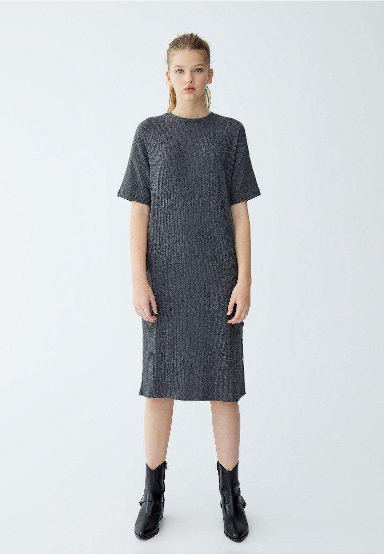 PULL&BEAR - Gebreide jurk - gray