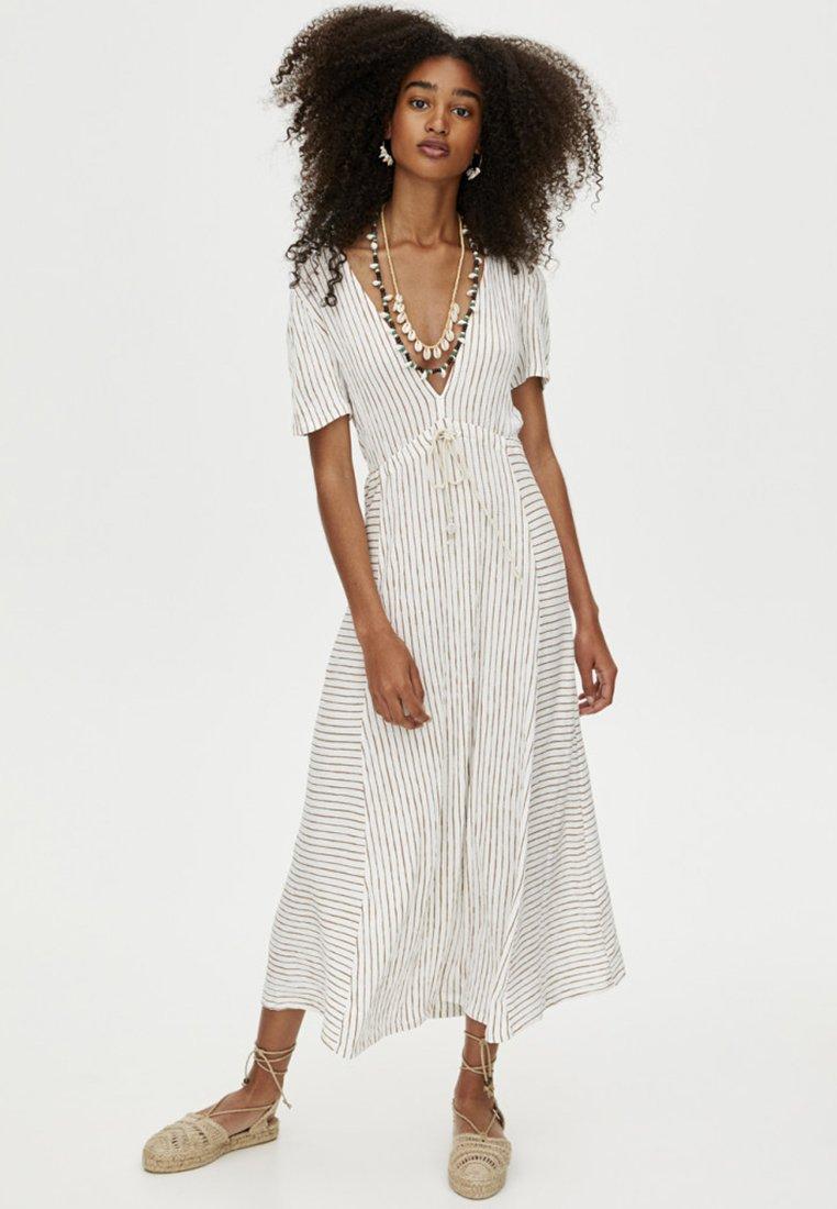 PULL&BEAR - MIT STREIFENPRINT  - Maxi dress - white