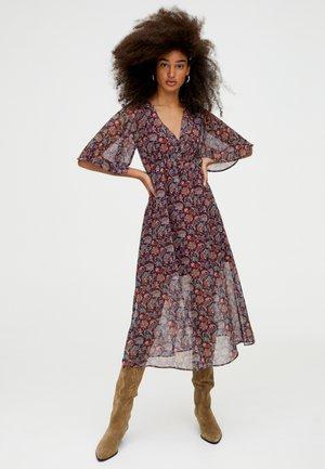 MIT BLUMENPRINT - Day dress - bordeaux
