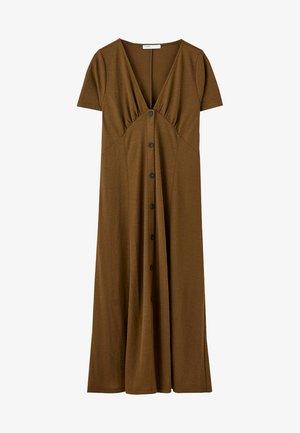 MIT FARBLICH ABGESETZTEN KNÖPFEN  - Korte jurk - brown
