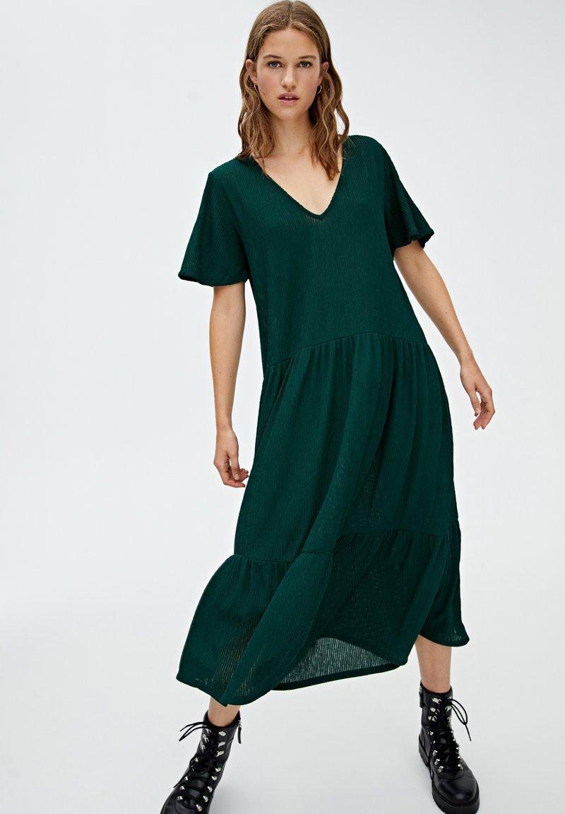 PULL&BEAR - Gebreide jurk - Donkergroen