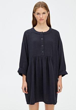 MIT KNÖPFEN - Day dress - black