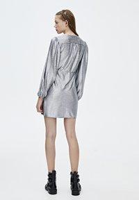 PULL&BEAR - Sukienka koktajlowa - silver - 2