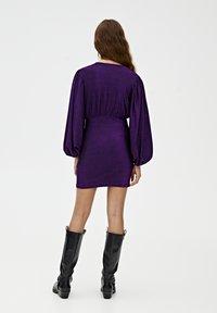 PULL&BEAR - MIT BALLONÄRMELN  - Robe de soirée - purple - 3