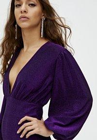 PULL&BEAR - MIT BALLONÄRMELN  - Robe de soirée - purple - 4