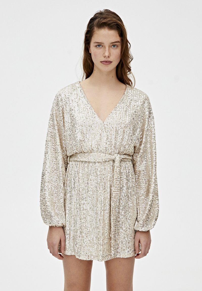 PULL&BEAR - MIT PAILLETTEN - Sukienka koktajlowa - silver
