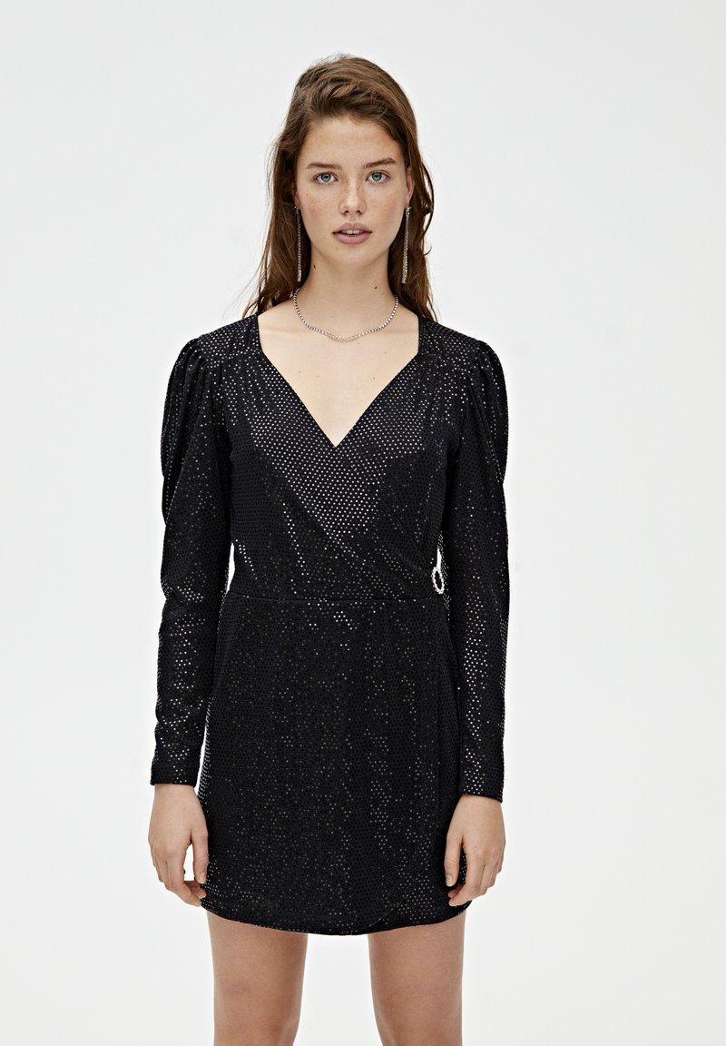 PULL&BEAR - MIT BALLONÄRMELN - Sukienka koktajlowa - black
