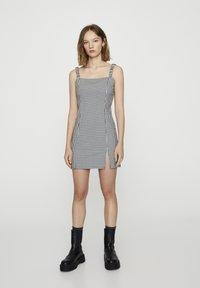 PULL&BEAR - Denní šaty - mottled black - 1