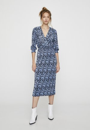 MIT BLAUEM BLUMENPRINT  - Denní šaty - blue