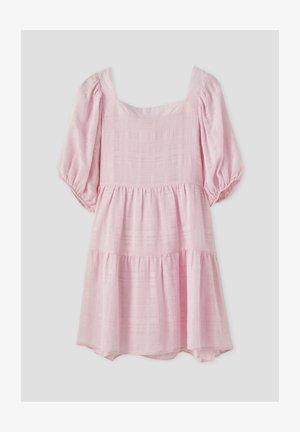 MIT KASTENAUSSCHNITT - Robe d'été - rose