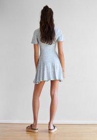 PULL&BEAR - Denní šaty - blue - 2