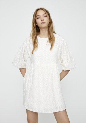 MIT STICKEREI - Korte jurk - white