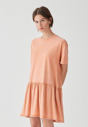 IM WASHED-LOOK MIT VOLANT AM SAUM - Day dress - rose