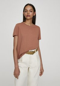 PULL&BEAR - Basic T-shirt - rose gold - 0