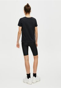 PULL&BEAR - BASIC - T-shirt basique - black - 2