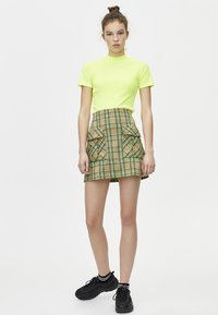 PULL&BEAR - Basic T-shirt - neon yellow - 1