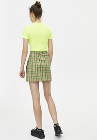 PULL&BEAR - Basic T-shirt - neon yellow - 2