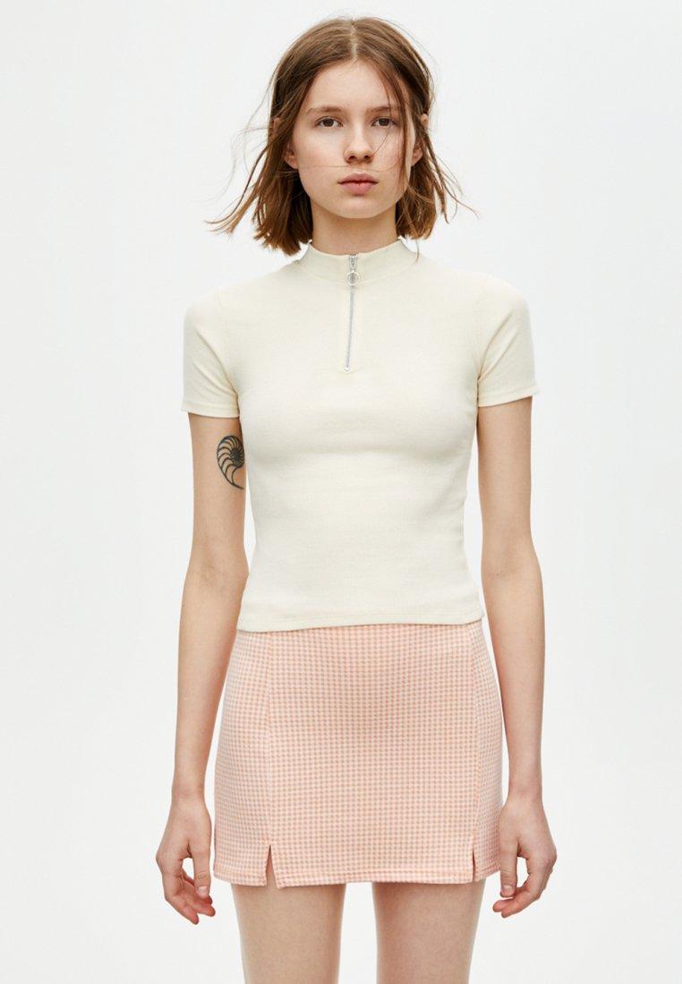 PULL&BEAR - MIT REISSVERSCHLUSS - T-shirt imprimé - white