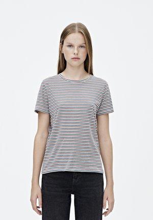 MIT FARBLICH ABGESETZTEM STREIFENPRINT - T-shirt print - light pink