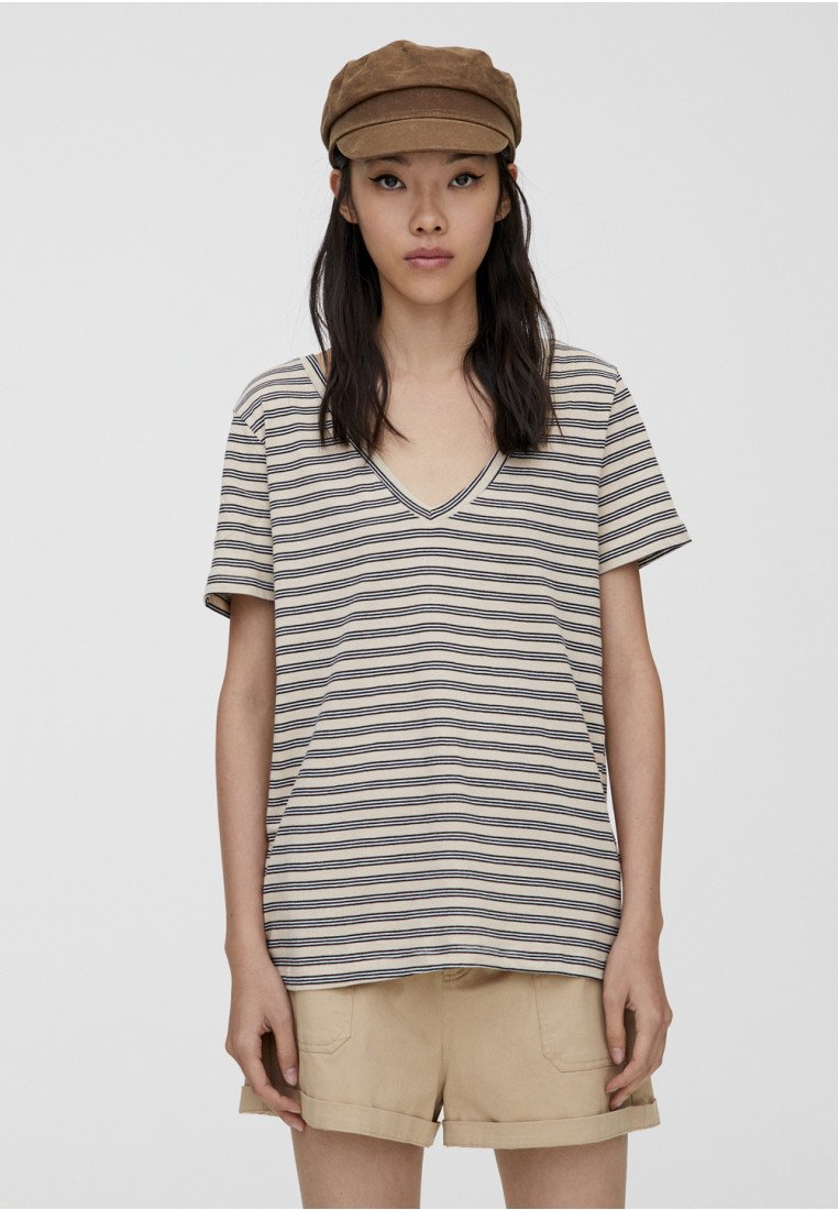 PULL&BEAR - MIT V-AUSSCHNITT  - Basic T-shirt - beige