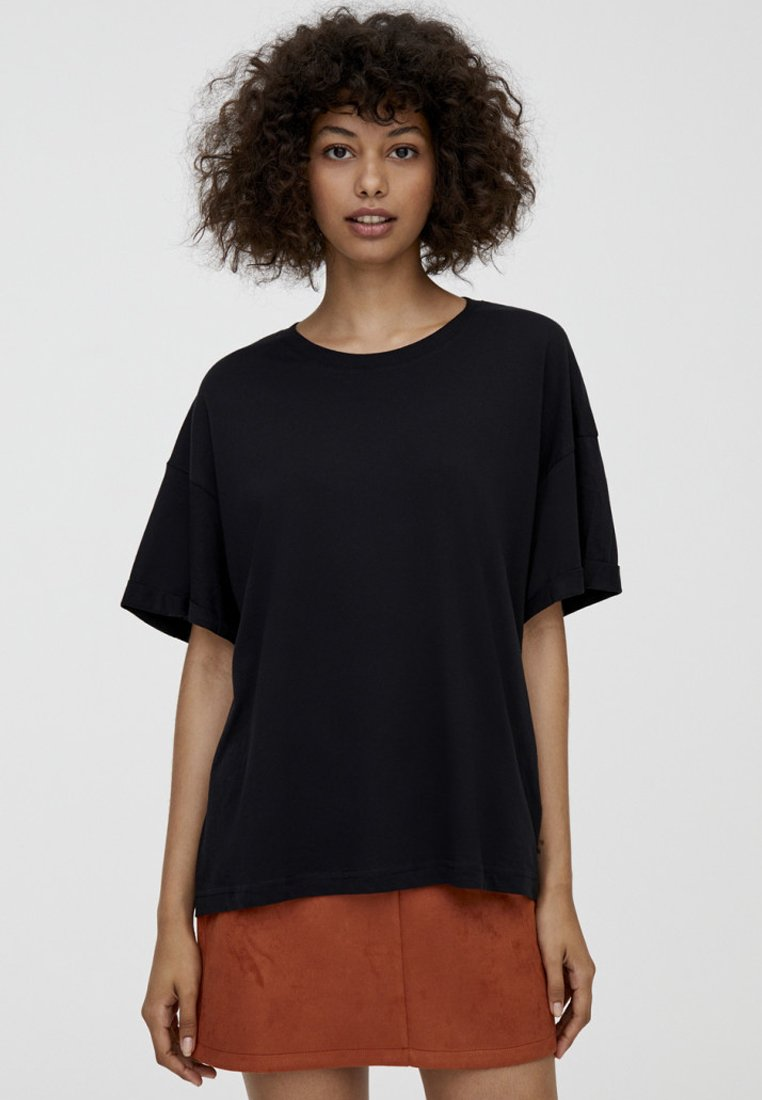 PULL&BEAR - Jednoduché triko - black