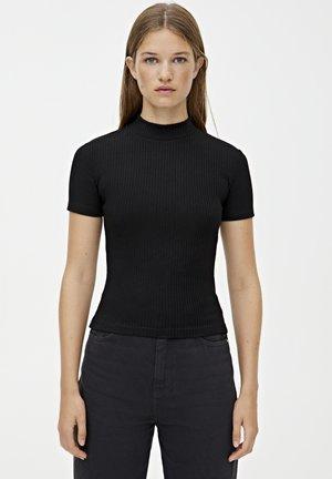 MIT STEHKRAGEN  - T-shirt basique - black