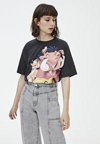 PULL&BEAR - TIMON AND PUMBAA - T-shirt print - black - 3