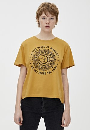 MIT SONNE UND MOND - T-shirt med print - light yellow