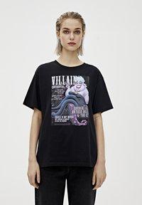 "PULL&BEAR - SHIRT ""URSULA"" IN SCHWARZ 05234321 - Print T-shirt - mottled black - 0"