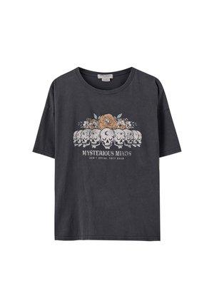 SHIRT MIT TOTENKOPF- UND BLUMENMOTIV 05234387 - T-shirt print - dark grey